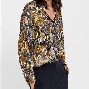 Zara Yellow and Black Snake Print Shirt xs-s